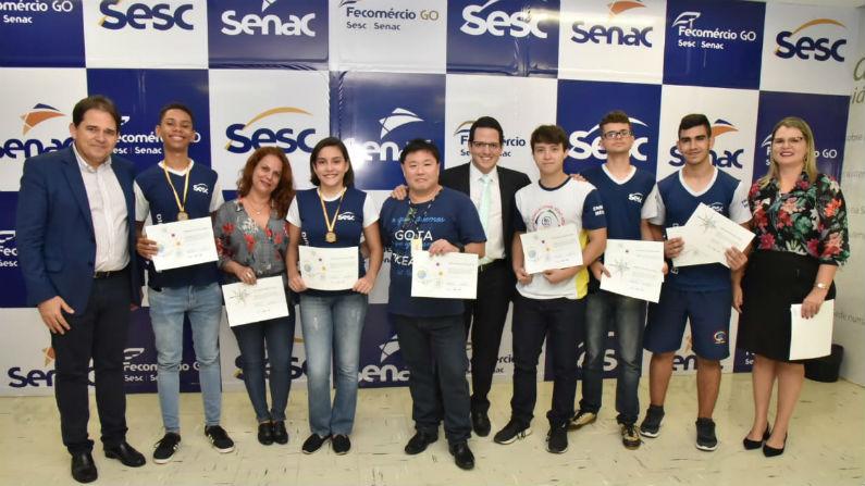 Diretoria do Sesc/Senac homenageia alunos premiados em Olimpíadas de Matemática e Astronomia